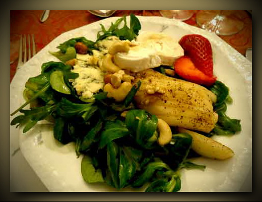 09.-Wochentipp-_salat-erdbeere1 rahmen